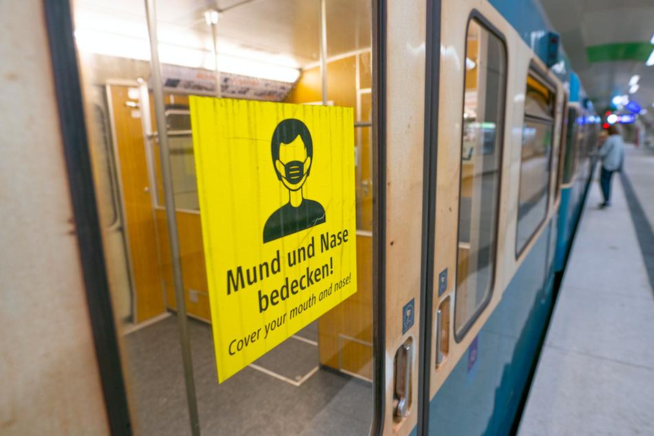 Ansteckung in öffentlichen Verkehrsmitteln? So schätzen Bürger Corona-Risiken im Alltag ein