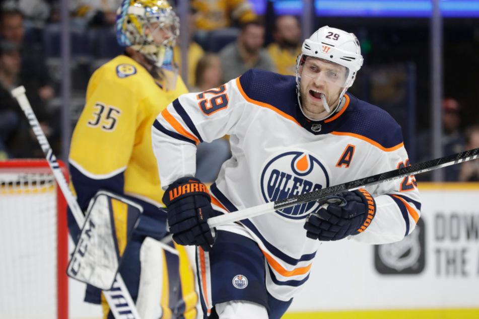 USA, Nashville: Leon Draisaitl von den Edmonton Oilers reagiert während eines Spiels.