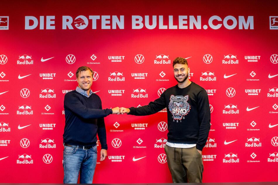 RB-Sportdirektor Markus Krösche (40) begrüßt seinen ersten Neuzugang für den kommenden Sommer: Innenverteidiger Joško Gvardiol (18).