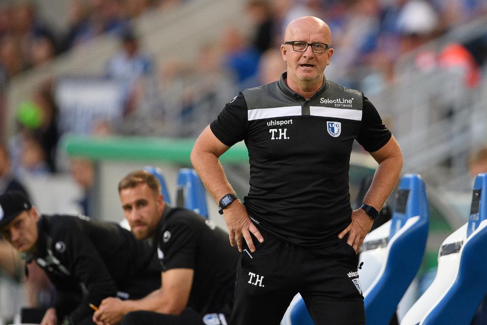 FC-Magdeburg-Trainer Thomas Hoßmang (54) hat am Montag seinen Rücktritt erklärt.