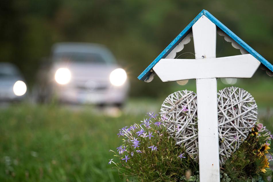 Kam es 2019 noch zu rund 61.470 Unfällen bei denen Menschen verunglückten, sank die Zahl im vergangenen Jahr um rund 11,7 Prozent auf 54.250.