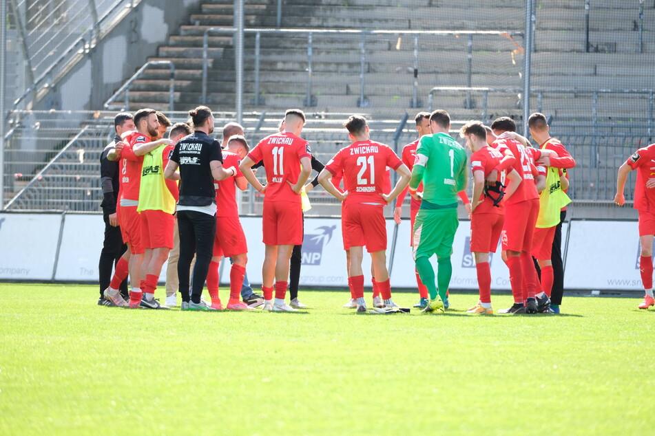 Die Zwickauer schworen sich nach der Niederlage gegen den SV Waldhof Mannheim sofort auf die nächste Aufgabe ein - die gibt's schließlich bereits am Mittwoch auf dem Betzenberg.