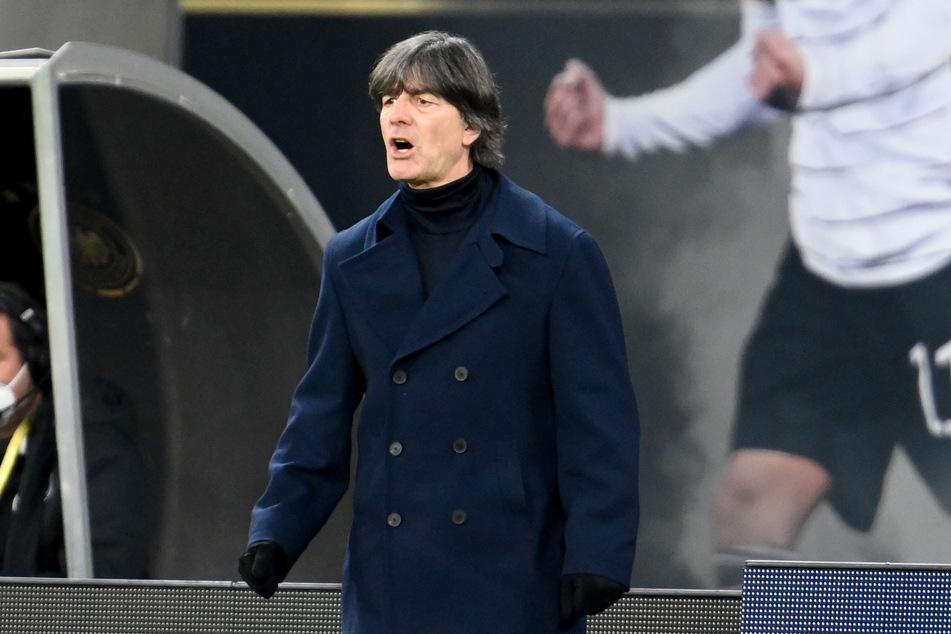 """""""In aller Freundschaft"""" fällt aus, stattdessen gibt es mal wieder Fußball mit Jogi Löw und der Deutschen Nationalelf zu sehen."""