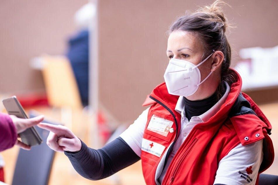 Die FFP2-Maske: Richtig getragen bietet sie besseren Schutz als Stoffmasken.