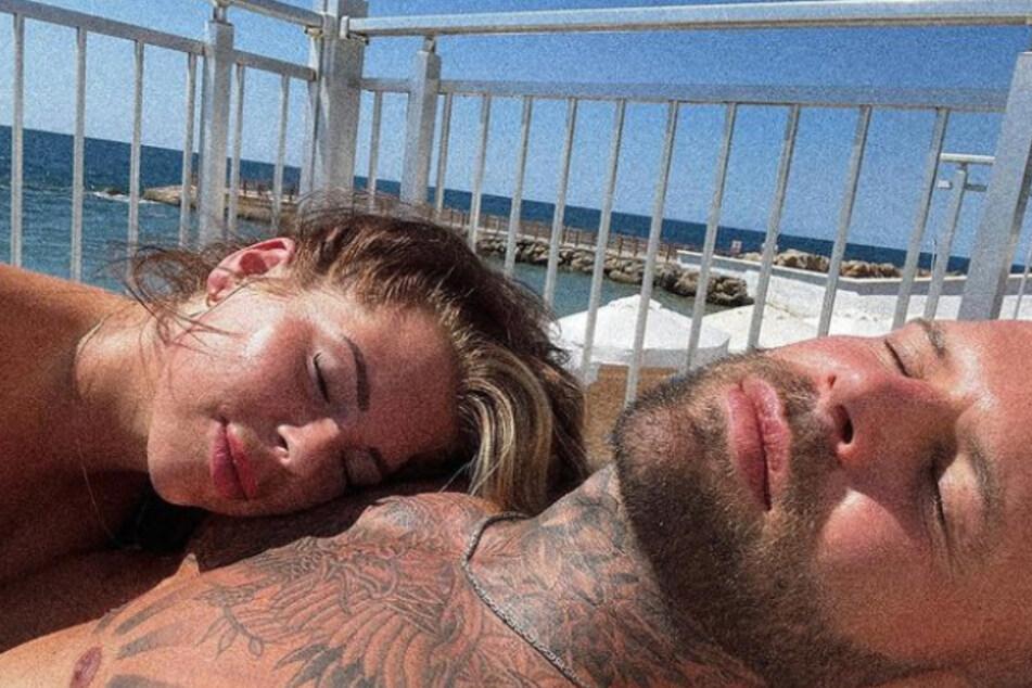 Jenny Frankhauser und Steffen König erwischte es im ersten gemeinsamen Urlaub leider gesundheitlich.