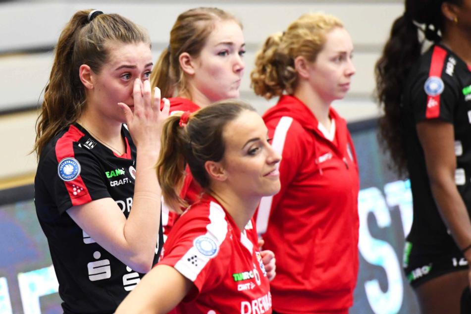 Die Enttäuschung nach dem Pokal-Aus war groß. Nicht nur bei Sarah Straube (l.) flossen Tränen.