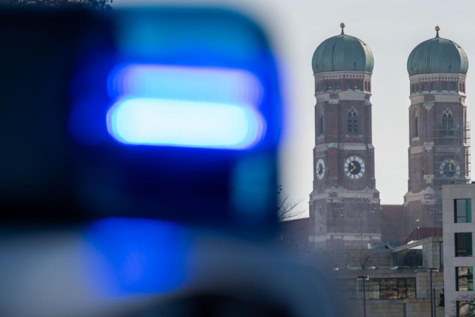 Ein Motorradfahrer ist in München bei einem Unfall gestorben. (Symbolbild)