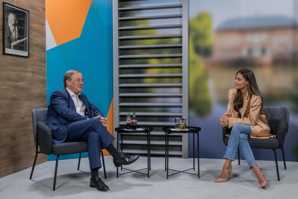 Live-Talk: Sophia Thomalla nennt Grund für ihre Antipathie gegenüber Armin Laschet