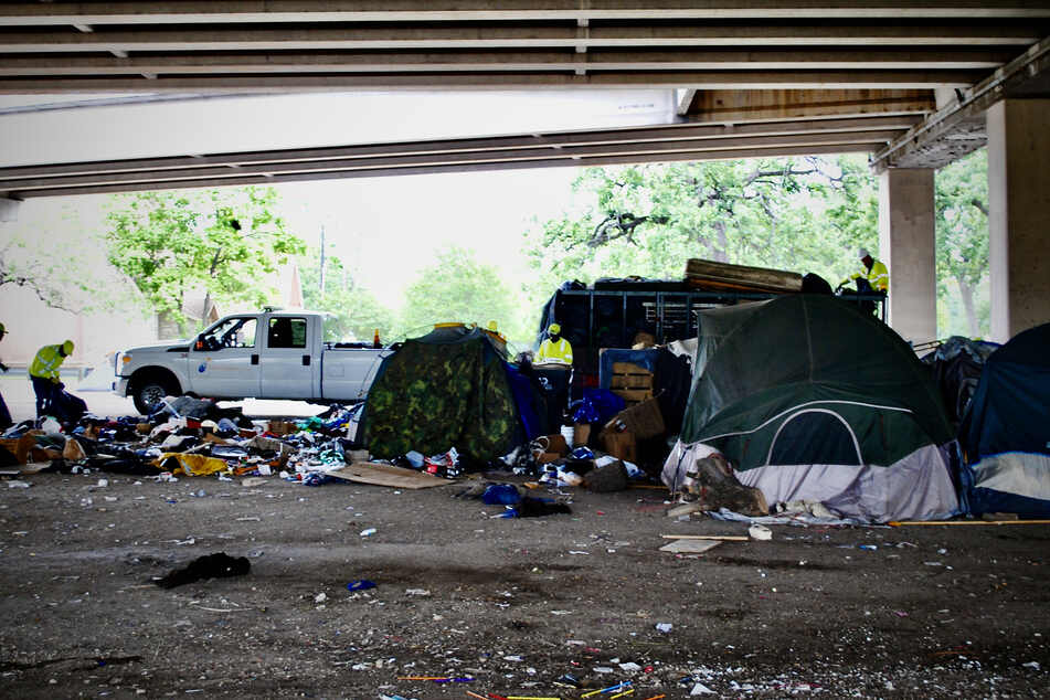 Clean-up workers sound off as Austin's homeless camping ban takes effect