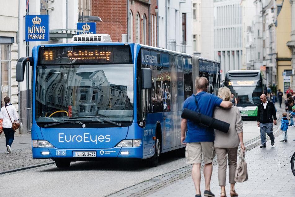 Ein Linienbus in Schleswig-Holstein. (Symbolbild)