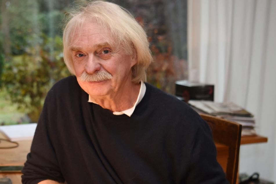 Axel Petermann (67)-.