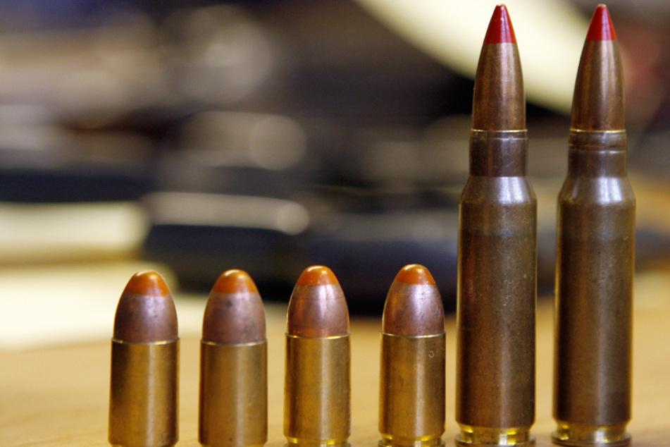 Gefährlicher Fund! 21-Jähriger soll Waffen und Sprengstoff hergestellt haben