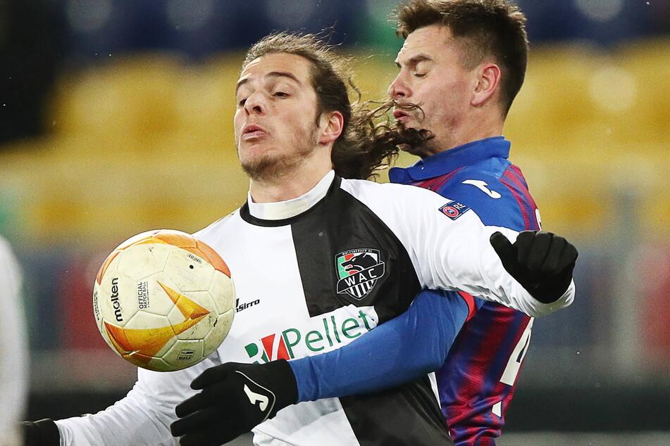 Ex-Dynamo Matthäus Taferner (l.) im Europa-League-Spiel gegen ZSKA Moskau, das er mit dem Wolfsberger AC gewann.