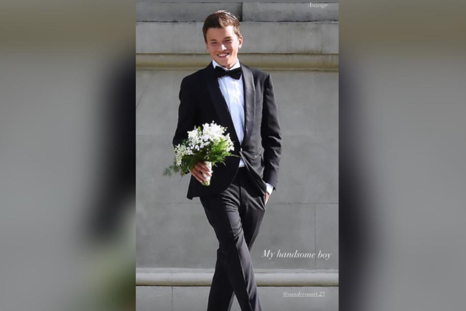 Der 14-Jährige erschien im Anzug bei der Hochzeit.