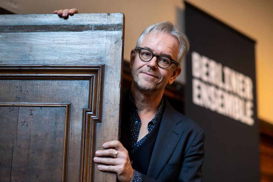 Theaterintendant Oliver Reese (55) glaubt, dass die Coronavirus-Krise die Arbeit am Berliner Ensemble noch über Monate verändern wird.