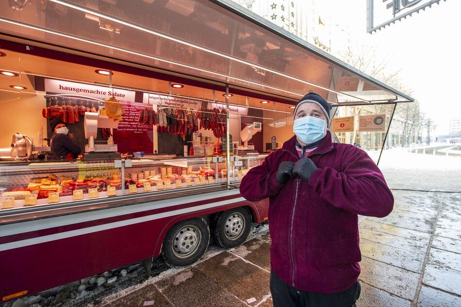 Für Steffen Heldig (57) von der Fleischerei Nagy ist Bewegung das beste Mittel gegen Kälte.