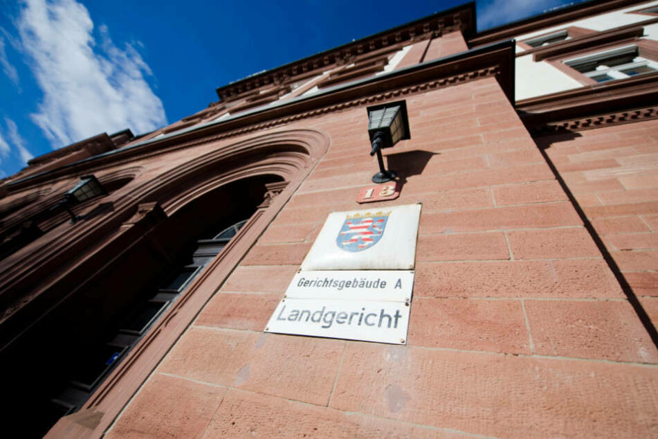 Gegen 12 Uhr sollen heute vor dem Landgericht Darmstadt die Urteile gesprochen werden.