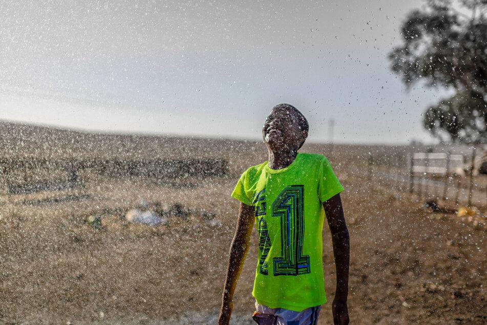 Das Vorhandensein von Wasser ist keine Selbstverständlichkeit. Die Folgen von zunehmendem Wassermangel sind besonders in Gebieten der Dürre spürbar.