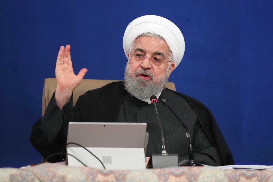 Teheran: Hassan Ruhani, Präsident des Iran, spricht während einer Kabinettssitzung.