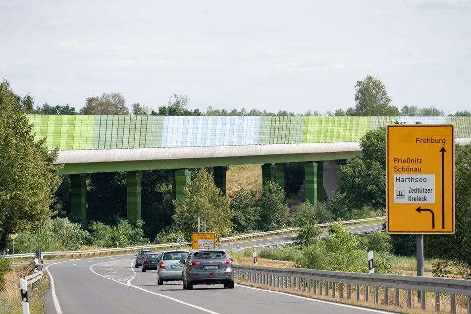 Auch die Stahlbrücke über den Zedlitzer Grund auf der A72 wurde in der Schumann-Stadt produziert.