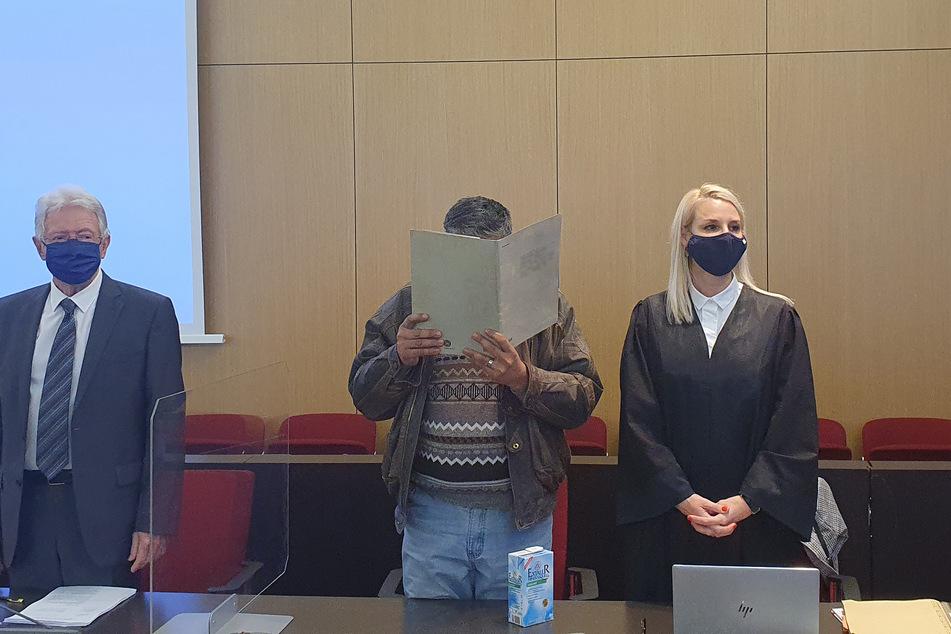 Sohn soll eigene Mutter zerstückelt haben: Urteil im Mordprozess erwartet
