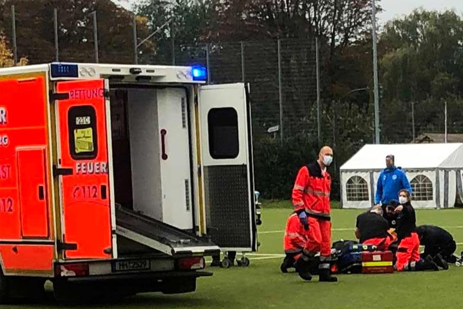 Drama in Oberliga: Teamkameraden retten Mitspieler das Leben!