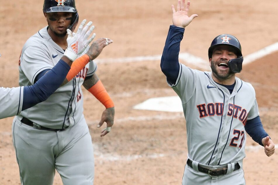MLB: Astros blast off in a Game Four blowout over the White Sox to advance to the ALCS