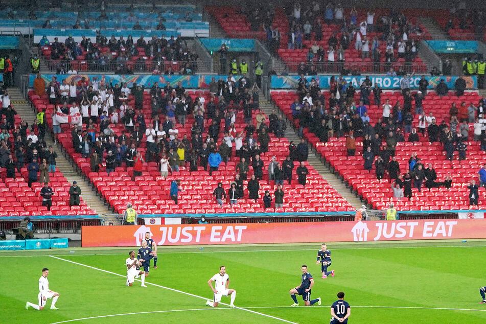 Masken waren im Wembley-Stadion in London bei dem Match von Schottland und England eher die Ausnahme.