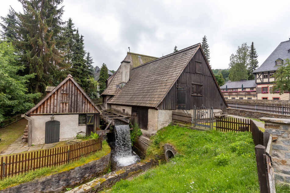Der Frohnauer Hammer ist ein historisches Hammerwerk in Frohnau, heute ein Ortsteil von Annaberg-Buchholz.