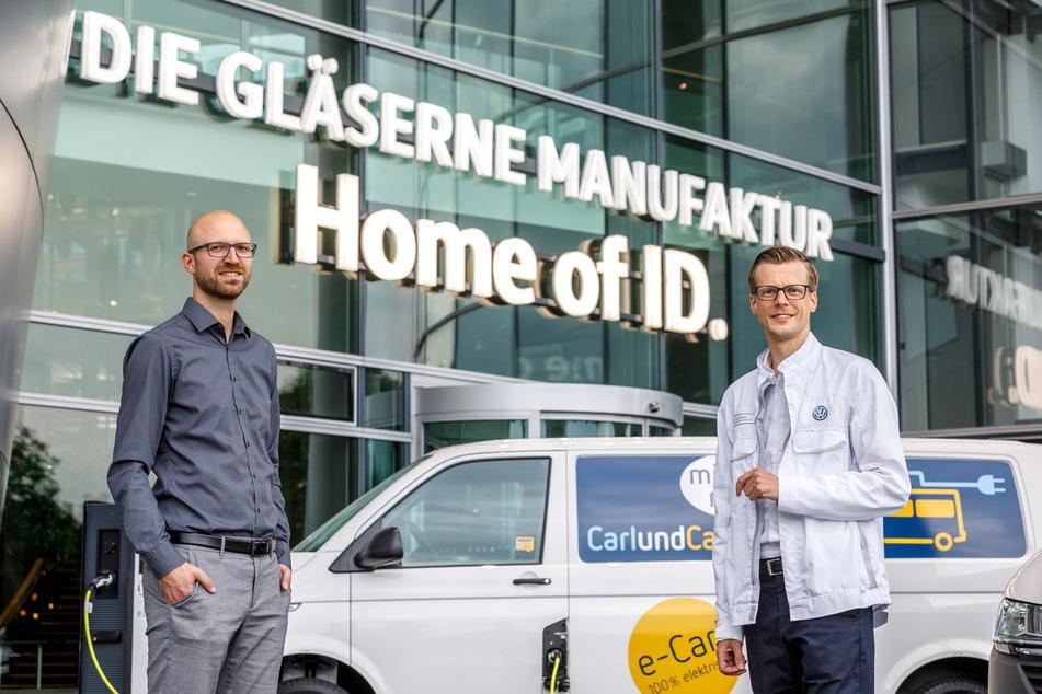 """Richard Vetter (34, l.), Mitbegründer von """"CarlundCarla"""", und VW-Standortleiter Danny Auerswald (38) setzen auf Kooperation."""