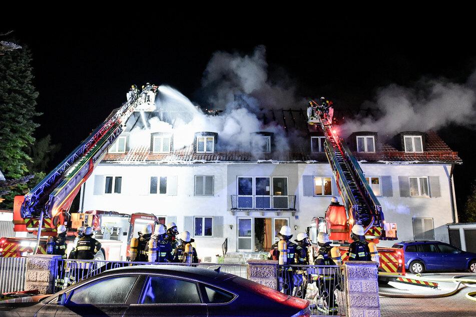 Die Feuerwehr bei den Löscharbeiten in München.