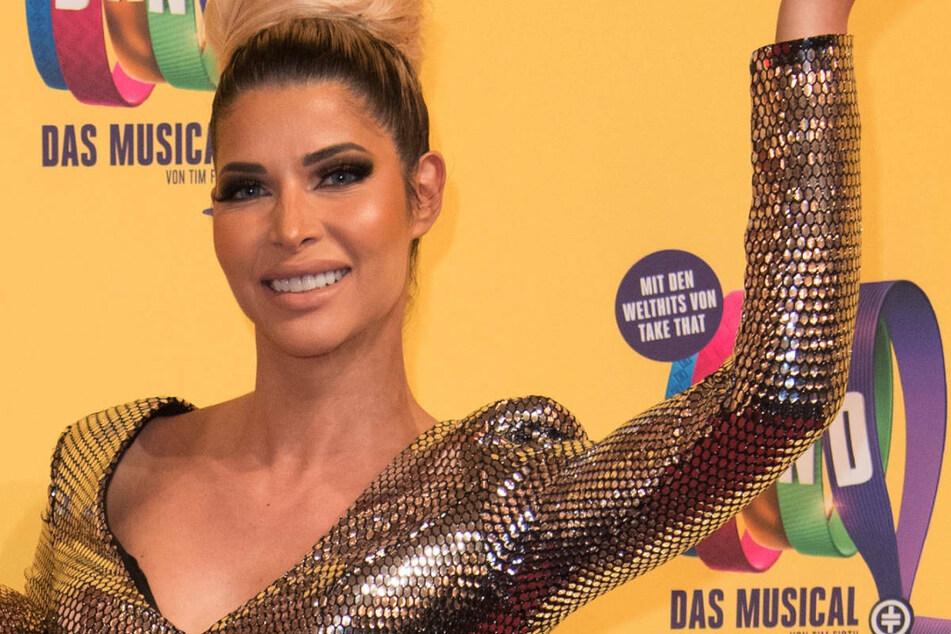 """Micaela Schäfer (37) bei der Deutschlandpremiere des Musicals """"The Band - Das Muscial"""" im Jahr 2019. Bei Instagram hat die Erotik-Queen wieder einmal ihre Fans mit einem heißen Schnappschuss in Ekstase versetzt. (Archivbild)"""