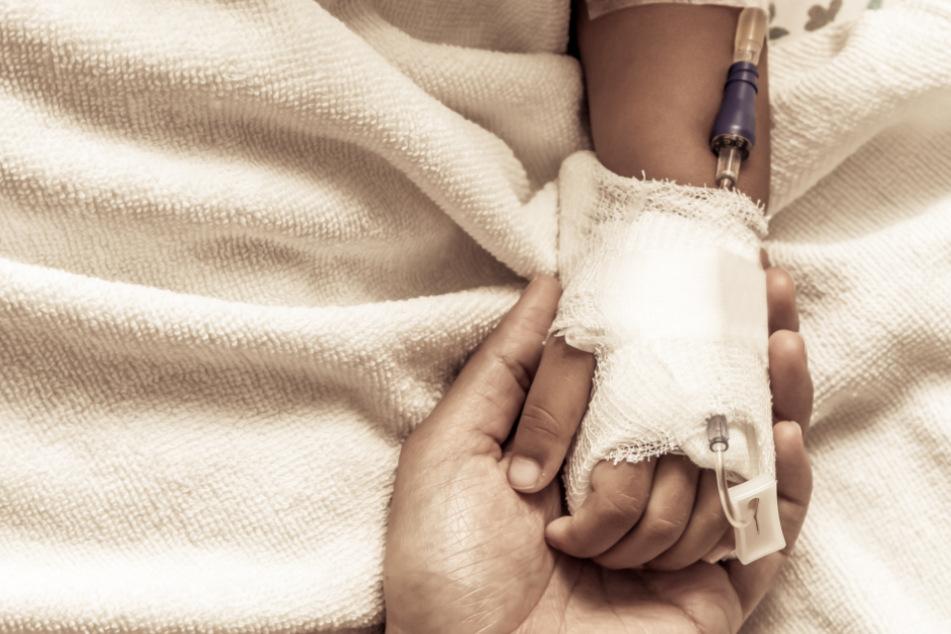 Mehrere Kliniken lehnten Behandlung ab: Sechsjährige stirbt nach Hunde-Attacke