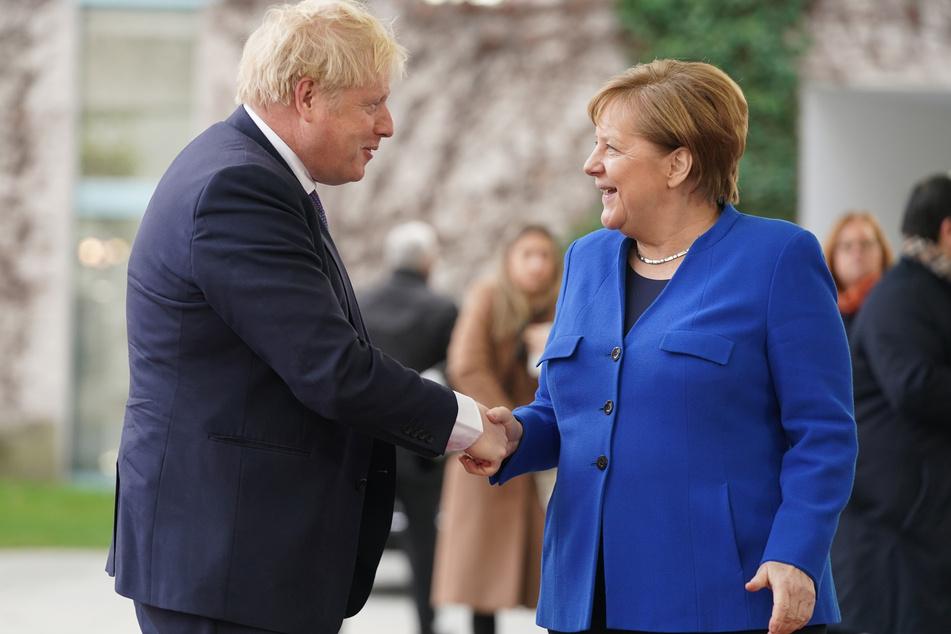 Bundeskanzlerin Angela Merkel (CDU) empfängt Boris Johnson.