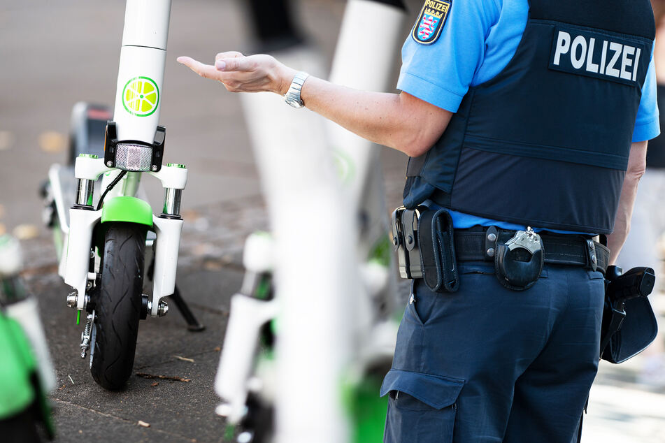 E-Scooter-Fahrer kennen Regeln kaum! Diese Strafen drohen bei Alkohol-Fahrten und auf Fußwegen