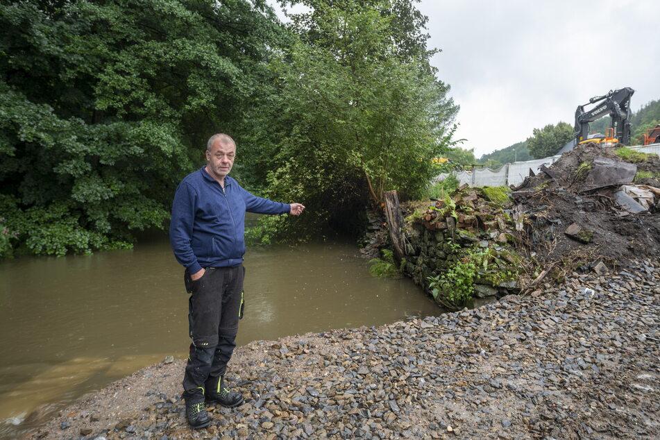 Fordert besseren Schutz vor möglichen Fluten: Anwohner Tino Frohberg (57) aus Harthau.