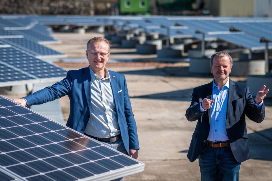 Zapfen die Sonne an: Roland Warner (l.) lenkt die Geschäfte bei Eins Energie. Andreas Schultheiß ist sein Hauptabteilungsleiter Erzeugung.