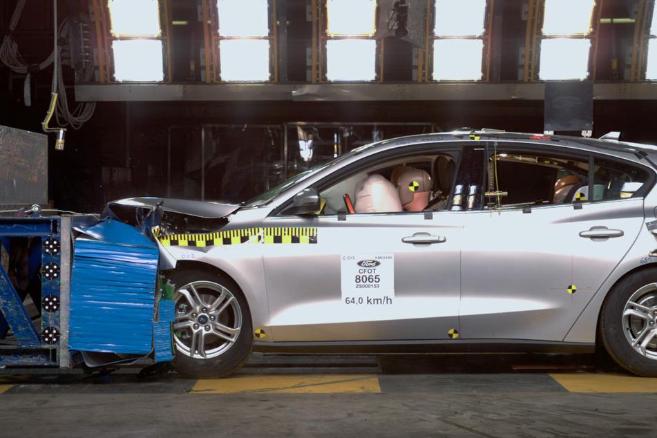 Ford baut Unfall-Testanlage in Köln aus