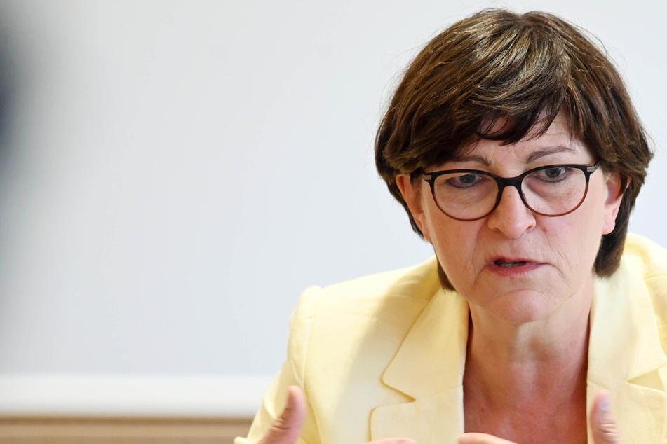 Wiedereinführung der Wehrpflicht: Darum ist SPD-Chefin Esken dagegen