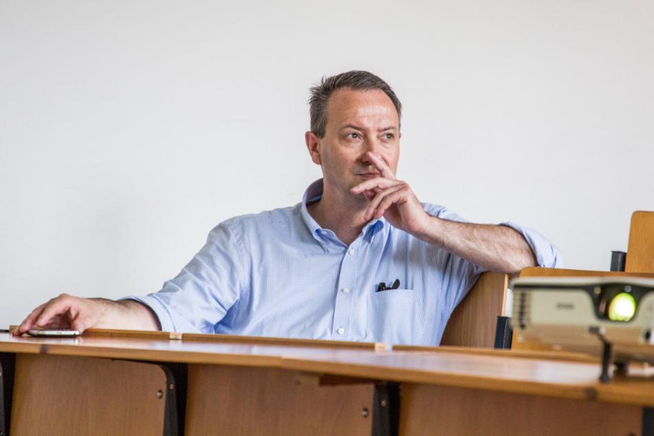 """Laut Bildungsbürgermeister Jan Donhauser (51, CDU) werden """"die Qualitätsmaßstäbe für einen bedarfsgerechten Personaleinsatz"""" beachtet."""
