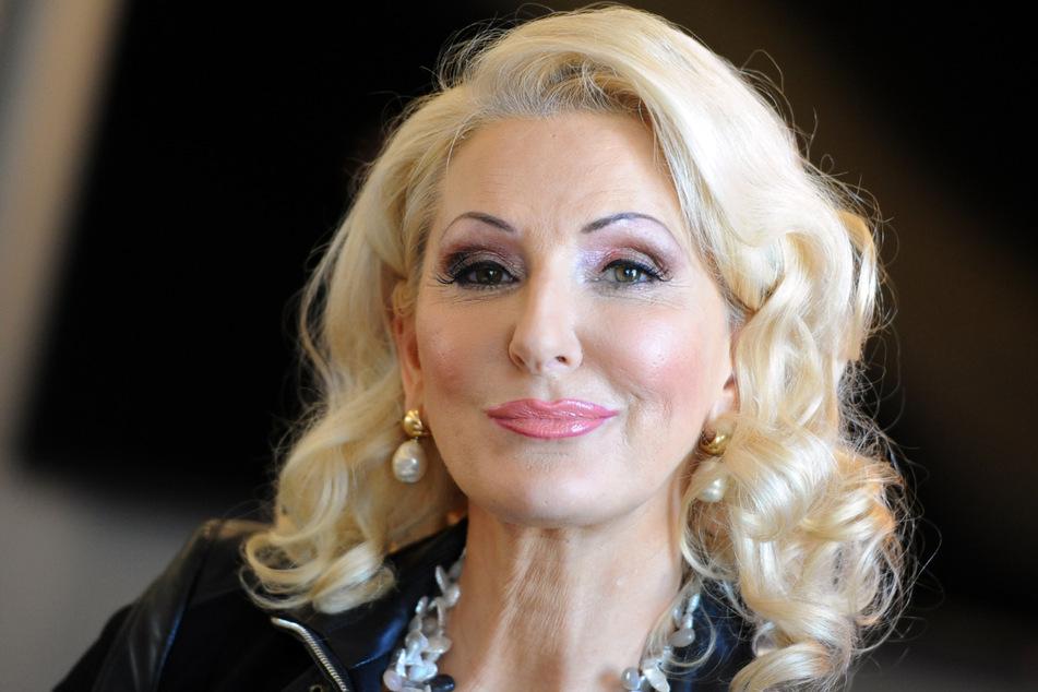 "Désirée Nick (64) lässt in ihrem Podcast kein gutes Haar an ""PuP""-Gewinnerin Giulia Siegel."