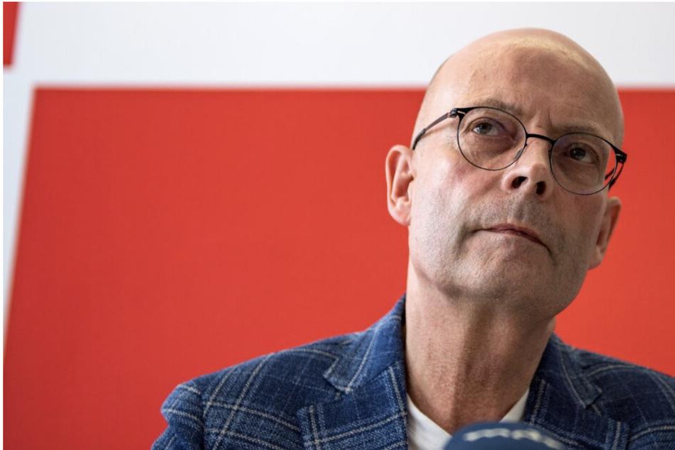 Bereits seit mehreren Monaten ist Halles OB Bernd Wiegand (64, parteilos) suspendiert. Dieser Zustand könnte nun sogar noch etwas länger andauern.