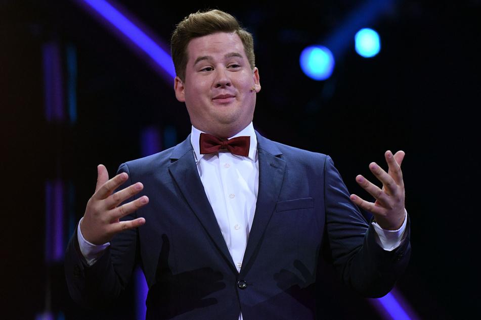 Der Komiker Chris Tall (29) hält bei der Verleihung des Deutschen Comedypreises 2018 eine Laudatio.