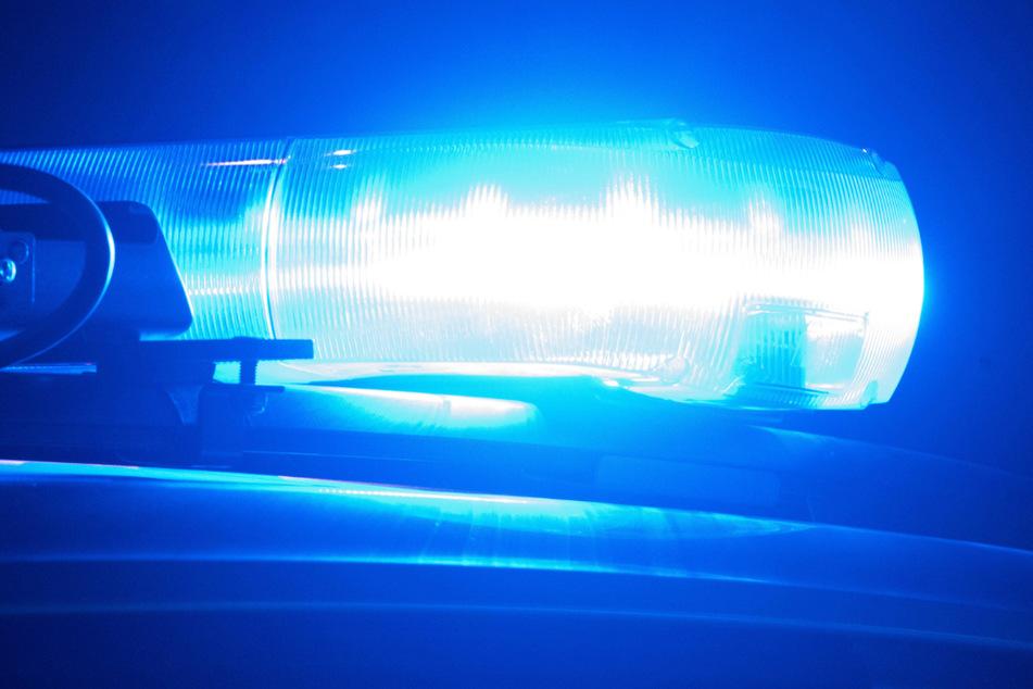 Die Polizei sucht Zeugen, die Angaben zum Tathergang machen können. (Symbolbild)