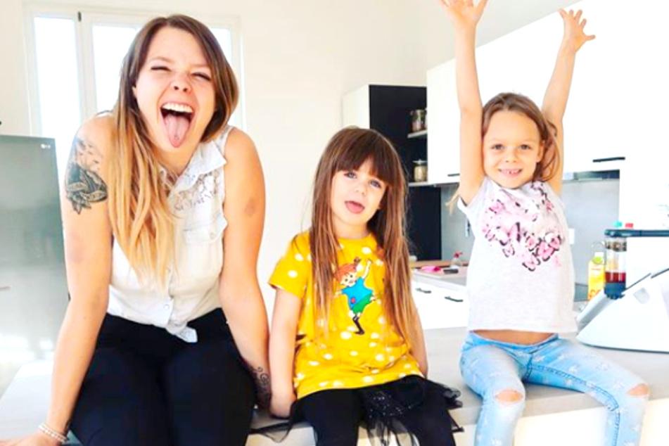 Nanu! Anne Wünsche (28) zeigt Tochter Juna (4, m.) plötzlich wieder im Netz.