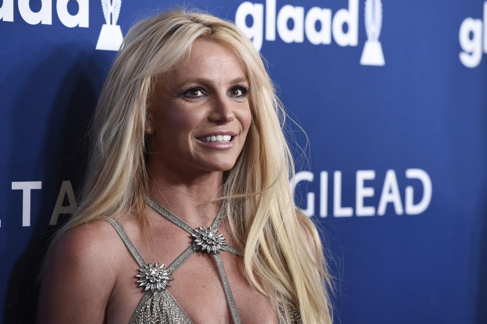 Ist dieses Lächeln seit Jahren nur Scharade? Britney Spears (39) bricht nun ihr Schweigen.