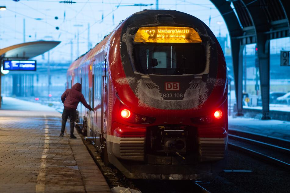 Wintereinbruch sorgt weiterhin für Probleme im NRW-Bahnverkehr