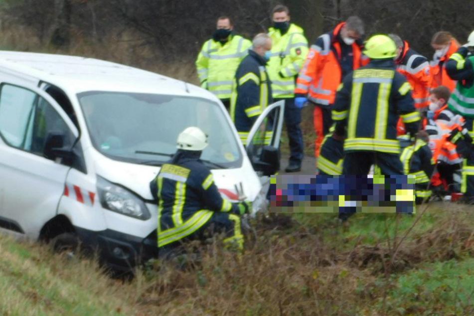 Tödlicher Unfall auf der Landstraße: Polizei sucht Zeugen