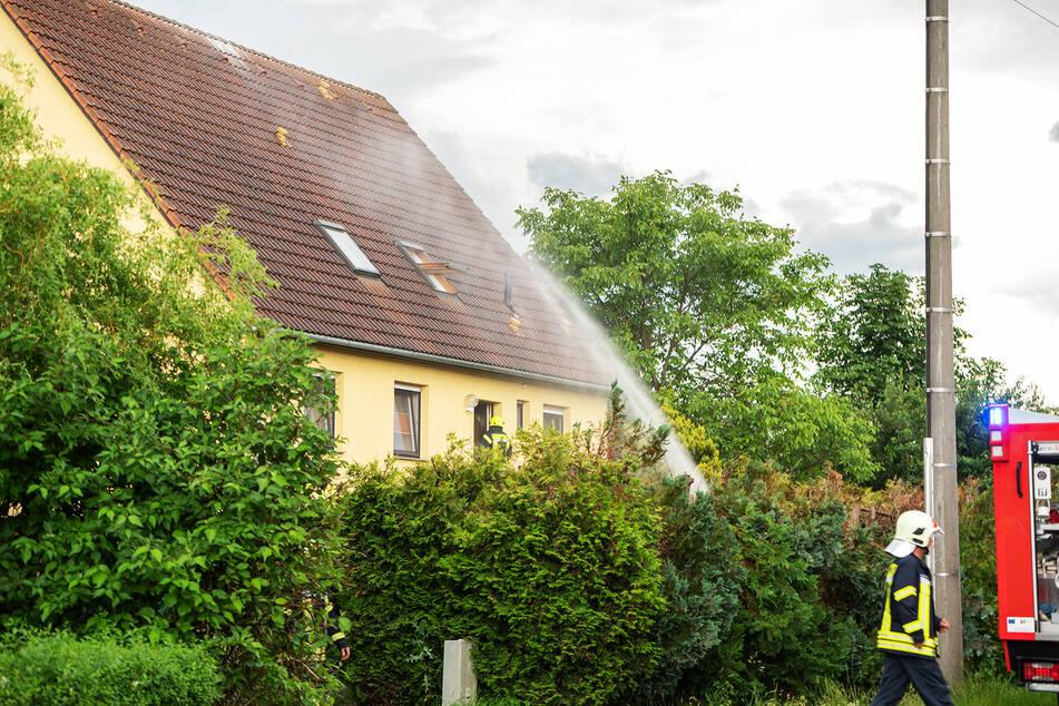 In Dittersbach schlug der Blitz in ein Dach ein.