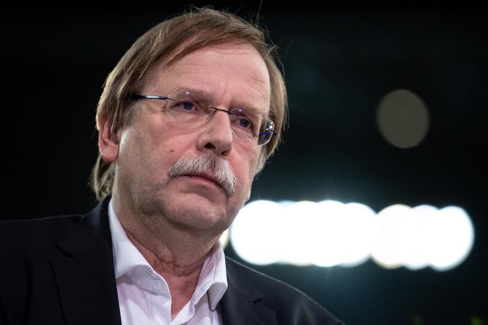 Rainer Koch (62, Foto) wollte laut Reinhard Grindel (59) verdeckte Ermittler in die Fan-Blöcke einschleusen. Koch wies das auf Nachfrage zurück.